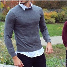 Getns with casual style Best Business Casual Outfits, Business Casual Men, Men Casual, Mens Fashion Suits, Mens Suits, Men's Fashion, Shirt Tucked In, Modern Gentleman, Cool Shirts