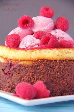Brownie cheesecake con frambuesas