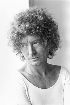 Difficult Pleasure: A Portrait of Brett Whiteley Australian Painting, Australian Artists, Artistic Photography, Portrait Photography, 7 Avril, Avant Garde Artists, Desert Art, Art For Art Sake, Beautiful Soul