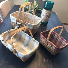 Also feel free to make a fair, reasonable offer. ******1. Top basket 2003 MEDIUM MARKET BASKET Botanical fields fabric Plastic liner Click to enlarge image(s) - The Medium Market Basket is our founder