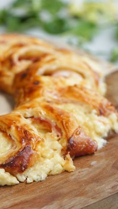 Croque monsieur en couronne - Food and Drink Appetizer Recipes, Snack Recipes, Cooking Recipes, Cake Recipes, Good Food, Yummy Food, Appetisers, Creative Food, Finger Foods