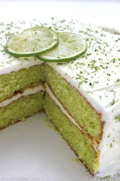 Easy Lime Cake with Cream Cheese Frosting is so simple and tastes amazing. Amazing and flavorful cake. Lime Desserts, Dessert Cake Recipes, Fancy Desserts, Cake Mix Recipes, Delicious Desserts, Fancy Foods, Plated Desserts, Yummy Food, Lime Recipes