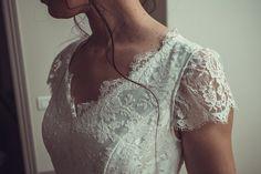 Anna, notre robe demi-mesure aux manches courtes ⭐️ 👗 @kaacouture 📸 @mariageadeux 💄💇🏼♀️ @_r_arts 👰🏼@jessicoccinelle @sophieardouin 💐 @fleuravi.wedding 👠 @chaussure_danse_et_mariage 📍@domainedevavril #robedemariee #robeblanche #robedemarieedemimesure #larobequejeveux #marobedemariee #myweddingdress #weddingdress #couturierefrancaise #robedemarieefaitemain #handmadeweddingdress #frenchsavoirfaire #savoirfairefrancais #robedemarieeavignon #madeinavignon #madeinpaca #mariagepaca Arts, Inspiration, White Dress, Dance, Sleeves, Shoe, Weddings, Biblical Inspiration, Inspirational