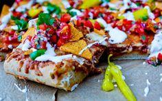 Ekte helgekos: Tacopizza på tykk bunn med frisk salsa
