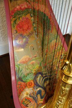 The flamingo harp - closeup of soundboard