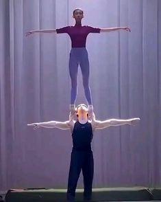 Ballet Dance Videos, Dance Choreography Videos, Ballet Dancers, Dancers Body, Amazing Gymnastics, Gymnastics Videos, Dance Photography Poses, Dance Poses, Funny Photography