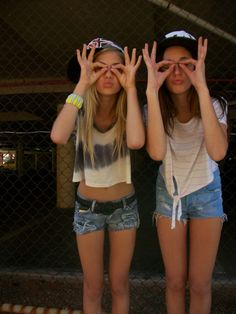 Me and my bestie NEED a pic like this ;)