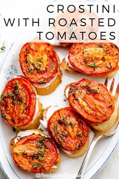 Crostini with Roasted Tomatoes is the ultimate party food or appetizer to serve to guests. They look fancy, but are made with only three simple ingredients! Tomato Appetizers, Finger Food Appetizers, Appetizers For Party, Finger Foods, Vegetarian Finger Food, Vegetarian Appetizers, Appetizer Recipes, Vegetarian Sandwiches, Bruschetta