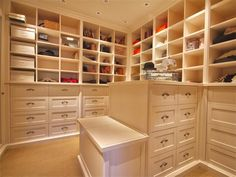 Luxury Walk In Closet Design Ideas for the Sophisticated Home Foyer Storage, Storage Spaces, Storage Ideas, Big Closets, Dream Closets, Creative Closets, Master Bedroom Closet, Master Bath, Closet Remodel