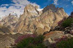 Torres Trango, Paquistão – Essas torres de granito são consideradas as mais difíceis de escalar no m... - Shutterstock
