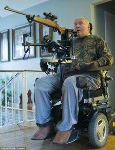 'I feel alive again': Father paralyzed from neck down after car crash has gun mounted on wheelchair so he can still take part in hunting season Adaptive Sports, Adaptive Equipment, Alabama Football Schedule, Wheelchair Accessories, Powered Wheelchair, Sports Personality, Mobility Aids, Spinal Cord Injury, Hand Therapy