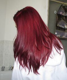 This is Loreal Hicolor in intense red with 30 vol developer. This is Loreal Hicolor in intense red w Dye My Hair, New Hair, Red Hair Inspo, Dark Red Hair, Brown Hair, Red Hair Bright Cherry, Raspberry Hair Color, Cherry Cola Hair Color, Cherry Hair Colors