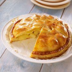 Recette de Tourte aux pommes de mon enfance par Francine. Découvrez notre recette de Tourte aux pommes de mon enfance, et toutes nos autres recettes de cuisine faciles : pizza, quiche, tarte, crêpes, Tartes aux fruits, ...