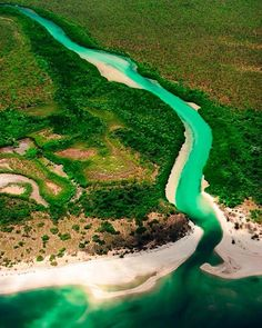A perfect example of the untouched wilderness that is 🌏 shot this fantastic aerial during a flight from to on the western coast of the Cape 🗺 Australia Trip, Queensland Australia, Amazing Photos, Cool Photos, York Peninsula, Australian Plants, Western Coast, Beautiful Sites, What A Wonderful World