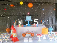 Una fiesta espacio / A space party
