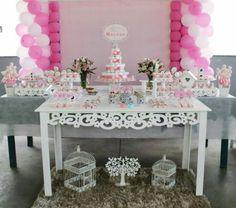 Uma visão geral da mesa do bolo