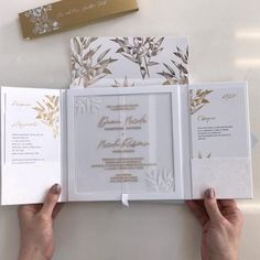 Box Wedding Invitations, Wedding Stationary, Wedding Favors, Wedding Souvenir, Wedding Reception, Diy Wedding Decorations, Wedding Centerpieces, Reception Decorations, Acrylic Wedding Invitations