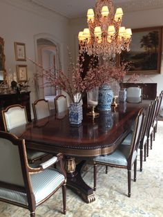 Admirable Traditional Dining Room Decor Ideas For Your Inspiration Elegant Dining Room, Luxury Dining Room, Beautiful Dining Rooms, Dining Room Design, Dining Room Table, Traditional Dining Rooms, Traditional Kitchens, Traditional Bedroom, Room Decor
