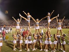But what if the girls legs where over the side flyers? Side flyers had one hand on the thigh and one of the foot and the main flyers cradled out of it. Cheerleading Stunts, Cool Cheer Stunts, College Cheerleading, Volleyball Drills, Volleyball Quotes, Volleyball Gifts, College Football, Cheer Pyramids, Cheerleading Pyramids