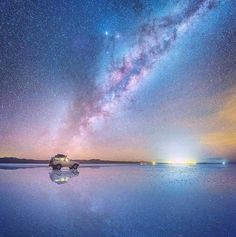 This mind-blowing photos of the milky way reflected in bolivia salt flats by Daniel Kordan. in May he traveled to Salar de Uyuni in Bolivia – the world's Bolivian Salt Flats, Landscape Photography, Travel Photography, Night Photography, Art Photography, Light Pollution, Stargazer, Milky Way, Night Skies