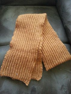 Get free instructions for this very simple scarf in my Ravelry account. Fishermans Rib, Ravelry, Scarves, Simple, Crafts, Free, Design, Fashion, Scarfs