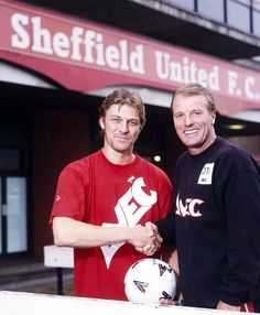 Sean Bean at Bramall Lane with Sheffield United manager Dave Bassett - South Yorkshire, Yorkshire England, Sheffield United Fc, Sheffield Steel, Bramall Lane, Sean Bean, Sir Alex Ferguson, Best Football Team, Kids And Parenting
