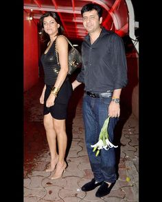 B-town #Actress and former #MissUniverse #SushmitaSen, was spotted with rumoured beau #RitikBhasin, walking hand in hand at the bash.  For More Updates Just Visit www.biscoot.com  #Bollywood #CelebrityPhotos #BollywoodCelebrity #Biscoot