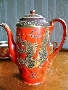 Dragonware tea pot by Adriana Lukas, via Flickr