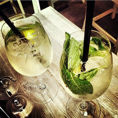 Hugos🍸 im OCUI - Oberanger 31-33, 80331 München #hugo #ocui #love #sun #fun #munich #bar Bar Drinks, Munich, Sun, Monaco, Solar