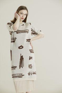 PORCELAIN MARKER – MOLO7 Markers, Porcelain, Sweaters, Dresses, Fashion, Vestidos, Moda, Sharpies, Porcelain Ceramics