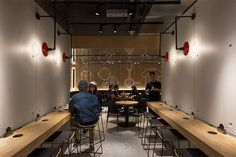 New McDonalds Restaurant Interior Design Is Part of a Smart Rebranding Strategy Showroom Interior Design, Gym Interior, Restaurant Interior Design, Best Interior Design, Interior Architecture, Restaurant Interiors, Mcdonalds Restaurant, Cafe Restaurant, Robot Restaurant