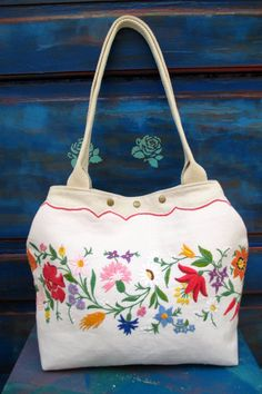 61-V. Upcycled hand embroidered flax linen bag/upcycled vintage embroidery bag/hand embroidered bag/Hungarian embroidery bag/flax linen bag Embroidery Bags, Vintage Embroidery, Vintage Jewelry Crafts, Hungarian Embroidery, Linen Bag, Blog Planner, Upcycled Vintage, Personalised Gifts, Handmade Gifts