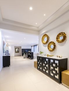 93 Most Popular Enchanting Small House Interior Design 89 - Decorative Inspiration Hall Interior Design, Best Interior Design Websites, Small House Interior Design, Foyer Design, Contemporary Interior Design, Modern Contemporary, Entry Way Design, Design Blogs, Design Styles