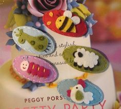 felt hairclips...I could make these...but would Abby wear them!??