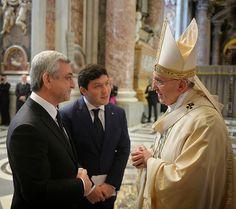 El presidente de Armenia, Serzh Sargsyan tuvo una conversación con Francisco después de la Santa Misa en memoria de las víctimas inocentes del genocidio armenio en la Basílica de San Pedro.