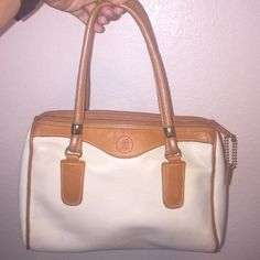 Leather purse Lightly worn and has so much life!!!! Bags Mini Bags