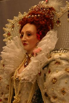 Doll based on the Ditchley portrait of Elizabeth I.
