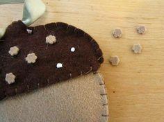 felt acorn pattern