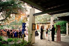 Cermeony in the courtyard | Fall Wedding | Lady Bird Johnson Wildflower Center | 36th Street Events | katherineophoto