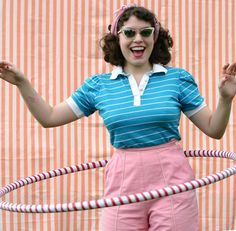 Hula Hoop Pin Up revival Bubble Gum Ice Cream, Weighted Hula Hoops, Mondrian Dress, Hula Hoop Workout, For The Horde, Vintage Colors, Vintage Stuff, Vintage Ads, Sixties Fashion