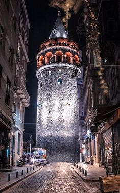 Galata tower,Istanbul - Ana Maria Guzman - - Wallpaper World Iphone Wallpaper 4k, Iphone Wallpaper Pinterest, Travel Wallpaper, Galaxy Wallpaper, Beach Wallpaper, Phone Wallpapers, Istanbul City, Istanbul Travel, Istanbul Wallpaper