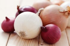 Health Problems That Onions Can Cure - http://www.extremenaturalhealthnews.com/health-problems-that-onions-can-cure/