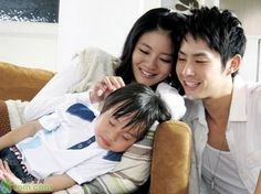 More 'I Love You (Autumn's Concerto)' Photos Portraying a Happy Family! Fated To Love You, I Love You, Series Movies, Tv Series, Vaness Wu, Autumns Concerto, Taiwan Drama, My Love From Another Star, Uncontrollably Fond