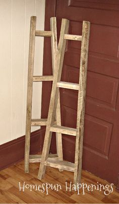 Ladders used in home decor Pallet Crafts, Pallet Art, Diy Wood Projects, Wood Crafts, Diy Pallet, Diy Crafts, Pallet Ideas, Quilt Ladder, Diy Blanket Ladder