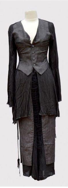 * Ensemble corsage et son gilet avec sa jupe longue, à rayures tennis beige sur fond marron, système de laçage sur la jupe. Jean Paul Gaultier Jean Paul Gaultier, Corsage, Jeans, Mad, Beige, Dresses, Fashion, Stripes, Vestidos