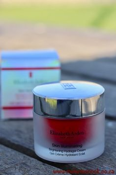 Review : Elizabeth Arden Hydragel Cream | Melanie's Nook Skin Care Cream, Skin Cream, Elizabeth Arden Miracle Oil, Best Body Oil, Hard Work And Dedication, Crocodile Skin, Bright Skin, Blog Love, Moisturiser