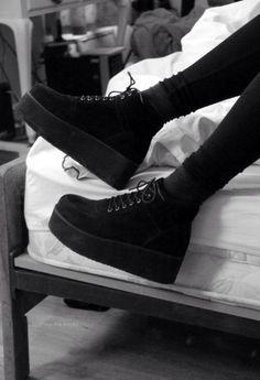Black platform shoes | Gothic style