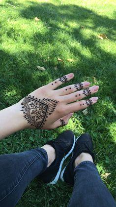 Spring henna tattoo