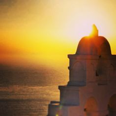 Sunset on Santorini Santorini, Over The Years, Greece, Around The Worlds, Table Lamp, Sunset, Lighting, Pictures, Home Decor