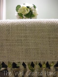 The Well Crafted Home: Made by Me Monday Burlap Table Runner Burlap Projects, Burlap Crafts, Diy Projects, Fall Projects, Sewing Projects, Lace Table Runners, Burlap Table Runners, Home Crafts, Diy Crafts